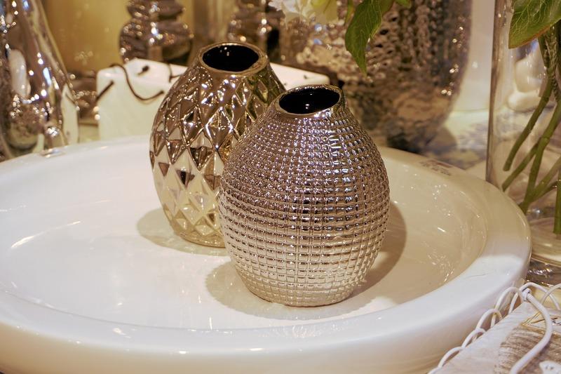 Vasos de alumínio na decoração