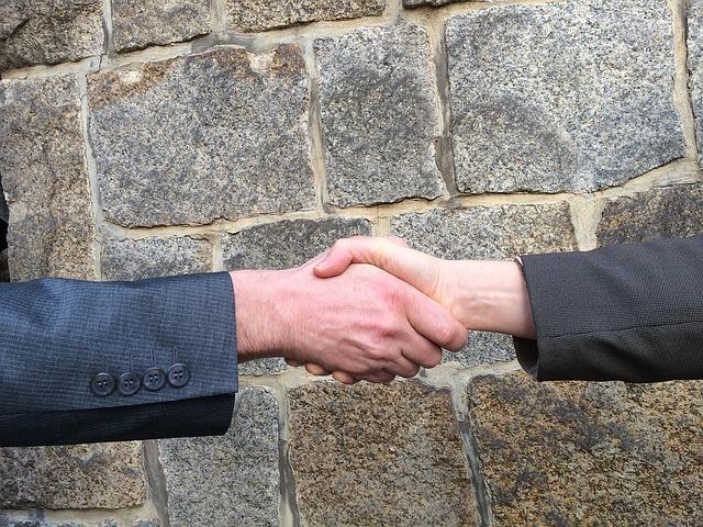 Negociação de prazos e alterações com um arquiteto
