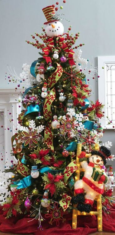 Árvore de Natal com decoração divertida
