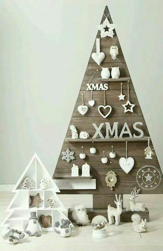 Árvore de Natal em painel de madeira