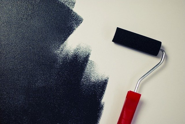 Tipos de tintas para área externa, tinta em cor preta.