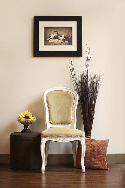 Tipos de tintas cadeira pintada com tinta a óleo.
