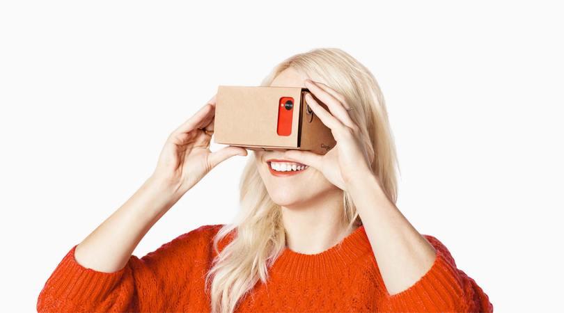 Óculos de realidade virtual para ver vídeos de projetos de casas da Soprojetos